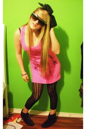 black Forever 21 leggings - pink Pac Sun dress - black Forever 21 boots - Hot To
