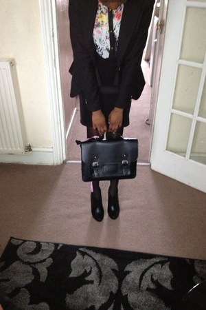 black Primark bag