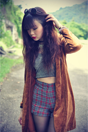 crop top top - plaid shorts - vintage cardigan