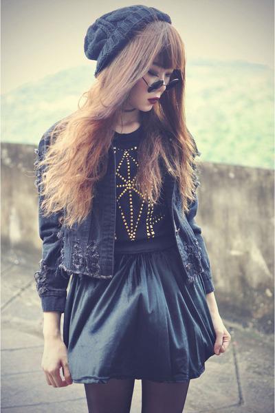 shoes - denim jacket - round sunglasses - beanie accessories