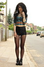 Vagabond-boots-american-apparel-shorts-cropped-tribal-urban-outfitters-top