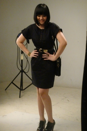 Vintageousss dress - Vintageousss belt - nose shoes - casio