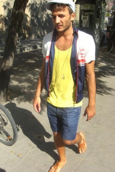 H&M hat - H&M shirt - Levis shorts - Hadmade shoes