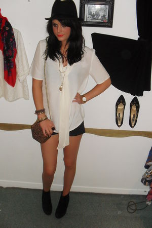 vintage blouse - Topshop shorts - Newlook shoes - vintage blazer