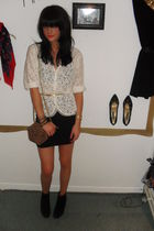 white vintage blazer - black H&M skirt - Newlook boots - vintage belt