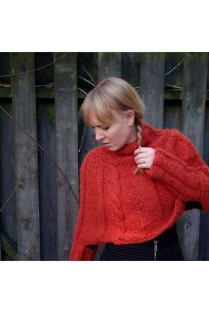 ruby red poncho DIY sweater - red second hand Samsøe Samsøe boots