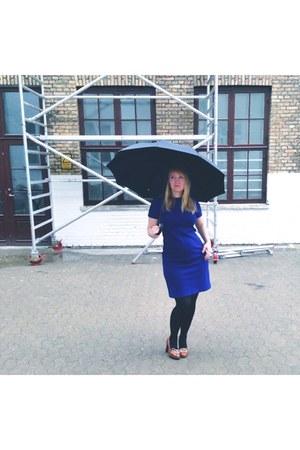 blue 60s vintage dress - brown vintage Michael Kors heels