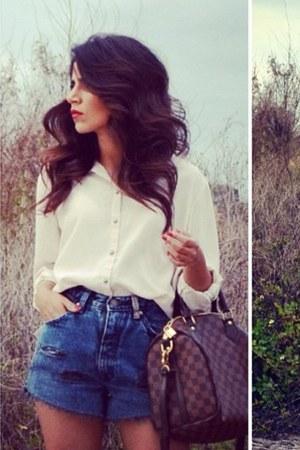 navy Levis jeans - eggshell asos blouse