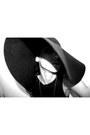Helmut-lang-dress-yves-saint-laurent-hat-jaeger-bag