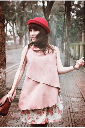 beige floral linen GIAGIAs Closet skirt - red red woolen Hat Hat hat