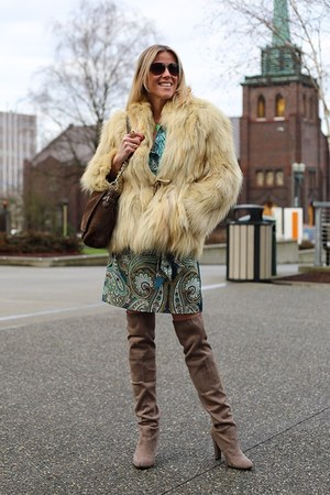 tan Steve Madden boots - turquoise blue paisley amy matto dress