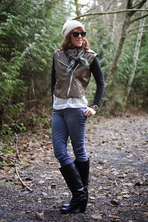 olive green square elizabeth gillet scarf - black Elie Tahari boots