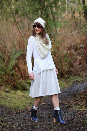 white Ro & De sweater - off white midi ASTR skirt