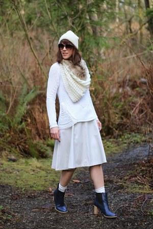 white Ro & De sweater - off white midi ASTR skirt