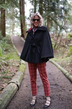 black black cape calvin klein cape - brick red pants