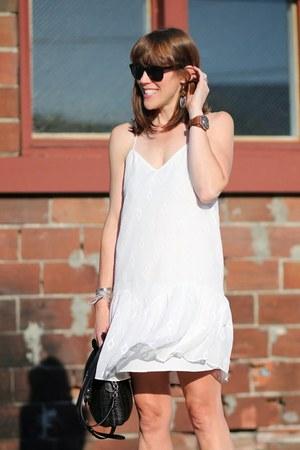 white slip Dolce Vita dress - black wicker oryany purse