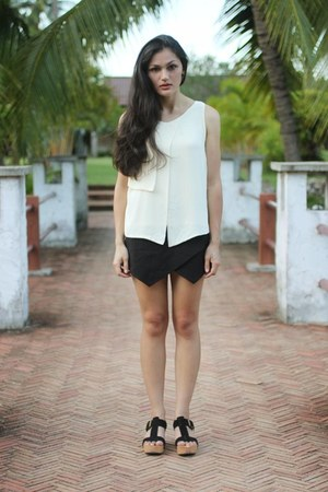 black skort Zara shorts - ivory crossover Trendy Club top