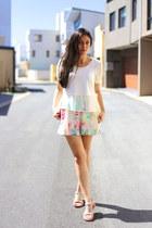 white floral mosaic Talulah shorts - white peplum Xien top