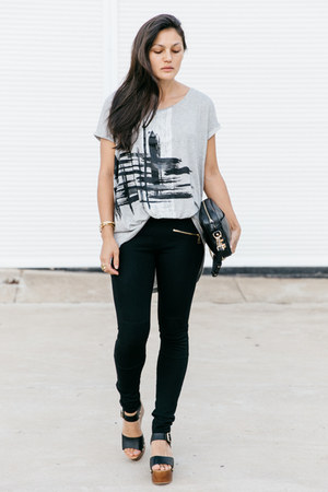 heather gray intaglio t-shirt - black rodriguez bag - black biker pants