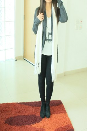 white Marks and Spencers scarf - black dune boots - black Monsoon leggings
