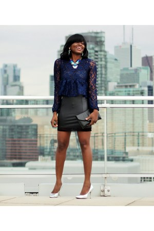 blue statement Symone Kelly necklace - navy lace rolla coster top
