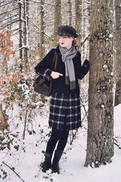 black plaid kling coat - silver fringe thrifted scarf - dark brown thrifted bag