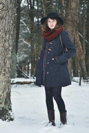 black floppy hat - dark brown 70s vintage boots