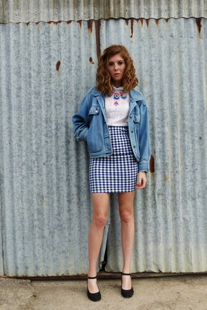 blue gingham Pull & Bear skirt - sky blue denim thrifted vintage jacket