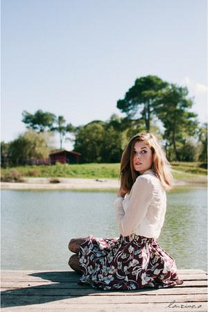 maroon floral skirt Pull & Bear skirt - ivory sheer dotted Vero Moda shirt