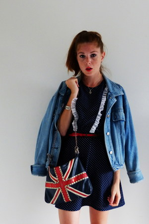 red H&M belt - navy polka dots thrifted vintage dress