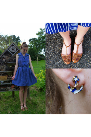 blue anchor Rings & Tings earrings - blue nautical vintage dress