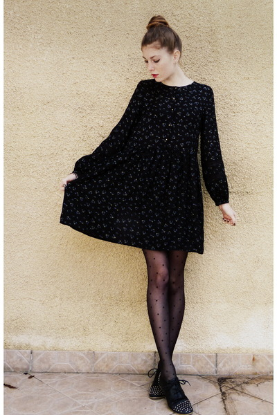 black dots Calzedonia tights - navy floral dress Zara dress