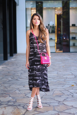 printed Nordstrom dress - fucsia Furla bag - stuart weitzman sandals