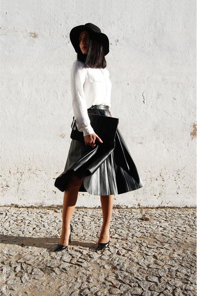 dark green Zara skirt - black Stradivarius hat - black Parfois bag