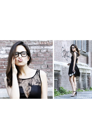 Zara shoes - Guess dress - Ray Ban glasses