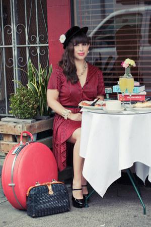 red vintage dress - black Vince Camuto shoes - black vintage hat