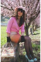 bubble gum 60s vintage hat - light pink Urban Outfitters sunglasses