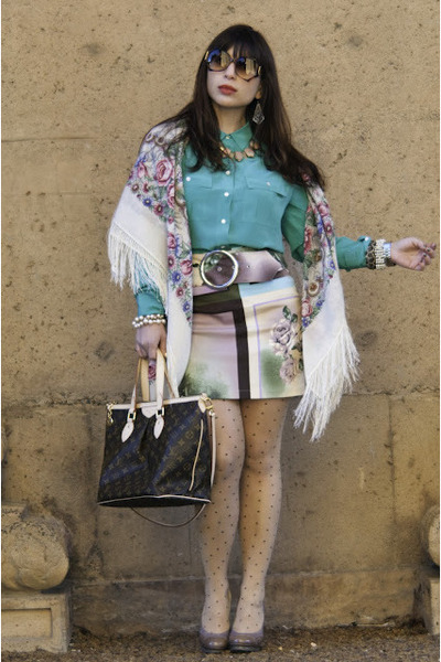 ivory random skirt - beige BCBG shoes - ivory vintage scarf