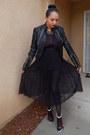 Black-forever-21-skirt-ruby-red-shoedazzle-heels