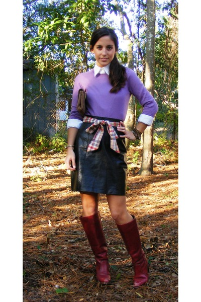 brick red Vintage Dex boots - light purple Theory sweater