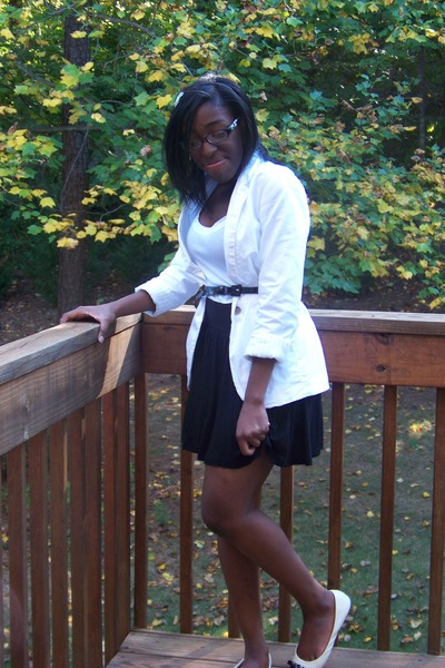 Target blazer - Charlotte Russe shoes - H&M skirt - Old Navy t-shirt