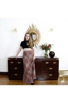 Highland Queen skirt - gold statement vintage necklace