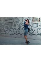 black linea pelle bag - blue Forever 21 sweater - black Ditto sunglasses