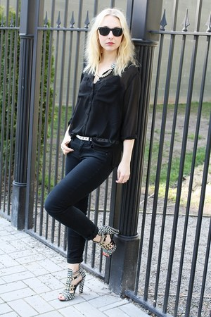 black BDG jeans - black H&amp;M blouse - white Zara heels
