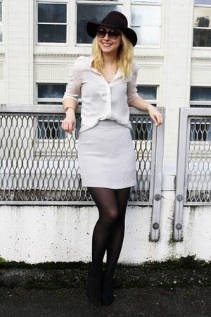 maroon brixton hat - periwinkle vintage skirt - cream Zara blouse