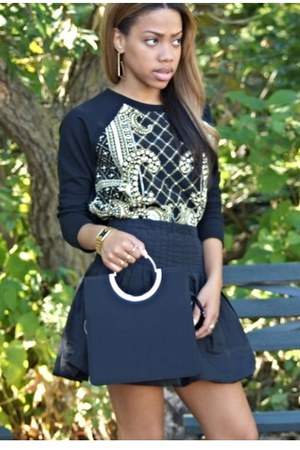 thrifted vintage purse - thrifted vintage skirt - Forever 21 sweatshirt