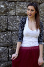 Gray-spiked-headband-chicnova-necklace-white-h-m-top-crimson-pleated-skirt