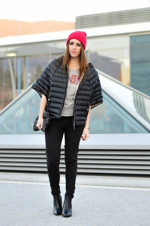 black pointed Zign boots - hot pink asos hat