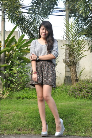 silver Forever21 sweater - Bayo skirt - michael antonio wedges