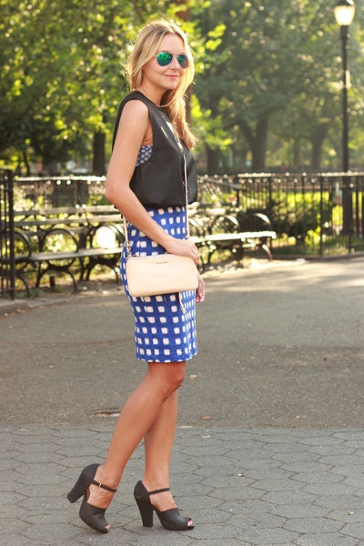 blue pencil skirt Topshop skirt - ivory cross body Rebecca Minkoff bag